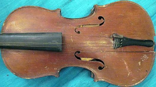 ViolinWallPocket2